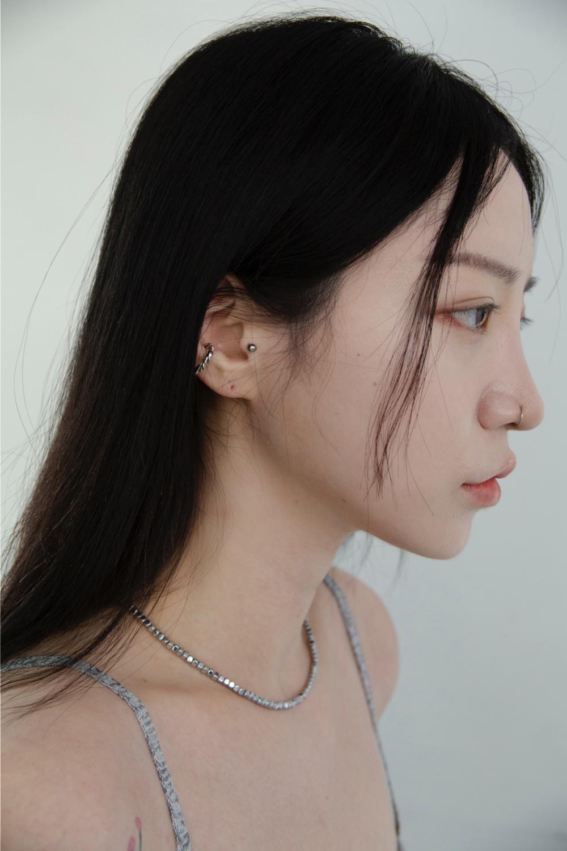악세사리 모델 착용 이미지-S1L17